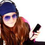 Пет начини како да се поврзете со 'милениумците' преку радио